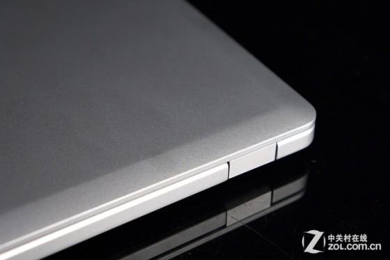 银白清新色彩搭配 惠普Folio 9480m评测