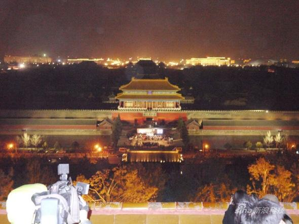 科技时代_图文:北京故宫熄灯前后照片