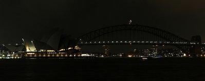 科技时代_图文:澳大利亚悉尼歌剧院熄灯前后