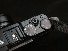 大光圈复古范儿高关注度新品相机盘点(2)