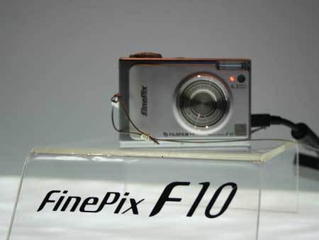 点击查看:富士 FinePix F10 下一张清晰大图