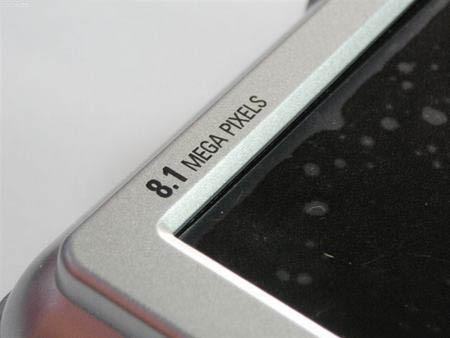 点击查看:三星 Digimax S800 下一张清晰大图