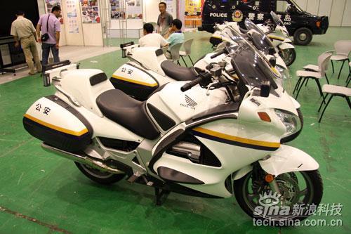 SINOCES2009直击:青岛警用摩托车展示_家电