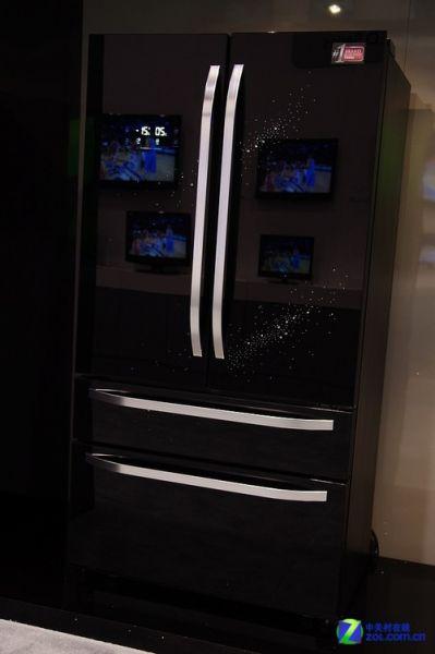 NBA明星助阵海尔黑白全线产品亮相CES