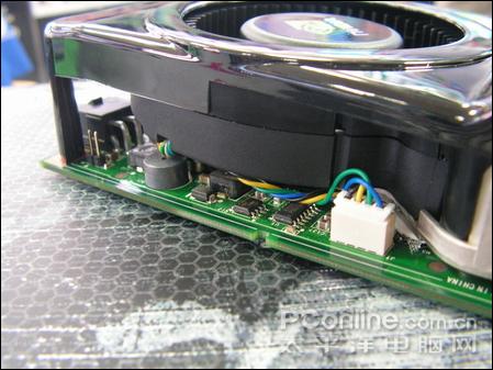 采用4pin温控散热器 并带有蜂鸣报警器