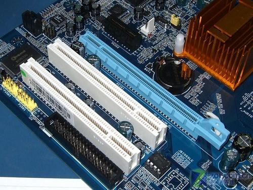 赛扬双核绝配固态供电MCP73主板399元