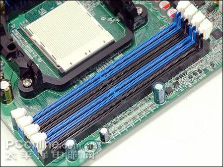 板载四条内存插槽,最大支持ddr2 1066规格内存条,内存容量支持到8g