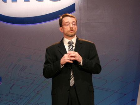 科技时代_基辛格:从千万亿次运算到毫瓦
