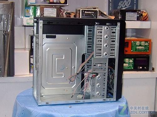 百盛 c509机箱的背部构造