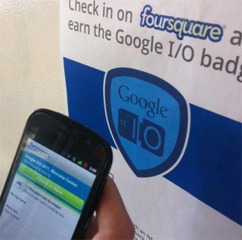 与会者只要把自己用NFC功能的手机靠近这幅海报刷一下,即可完成签到手续