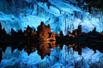 自然形成的最美山洞