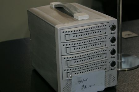 RAID外置存储箱