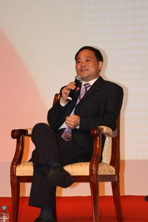 科技时代_图文:吉利汽车董事长李书福参与对话