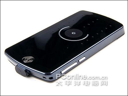 iPod式转盘摩托罗拉音乐手机E8详尽评测