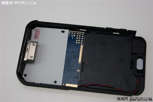 苹果皮520经解剖后发现,内部结构其实非常简单,不过让人担心的是