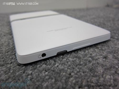 ▲华为新款平板电脑slim 耳机孔及扬声器-MWC2011 华为新款平板电