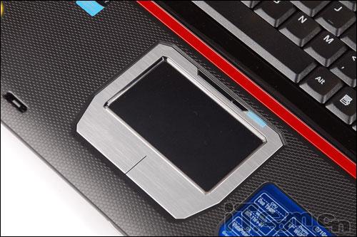 战神装备又升级顶级游戏本华硕G71G评测(2)