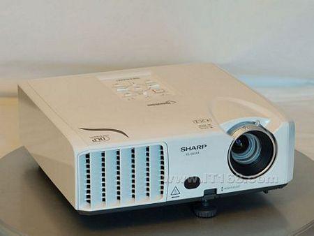 夏普这个系列投影机的特点,其内部从光路到dmd芯片,均采用全封闭结构