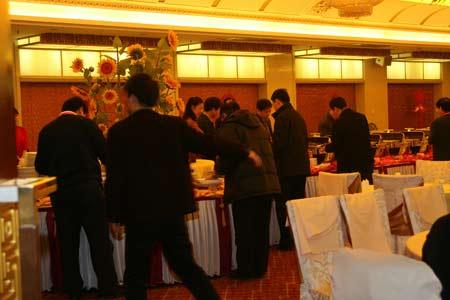 科技时代_图文:听证会代表就餐