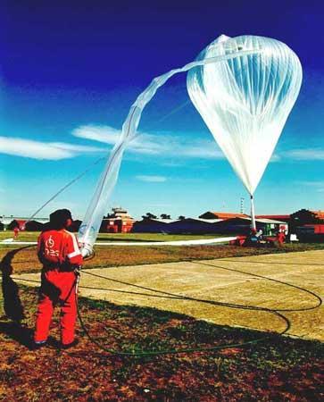 男子5月挑战4万米高空跳伞将突破音障(组图)
