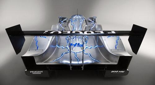 法国推出新型赛车可回收刹车过程能量(组图)(2)
