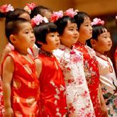 环抱紫禁城社区演唱《春晓》