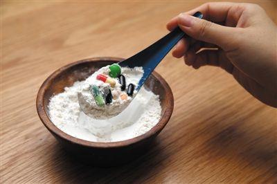 特殊配方奶粉属于医学配方,但不是药品,而是一种特殊的食品,用于医学营养治疗。新京报记者 王远征 摄