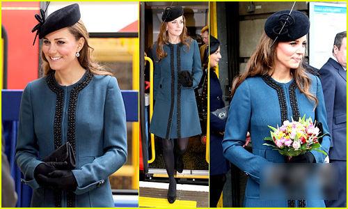 蓝色系大衣
