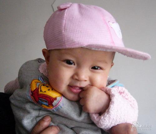 新浪宝宝笑脸9:五个月的宝宝(图)