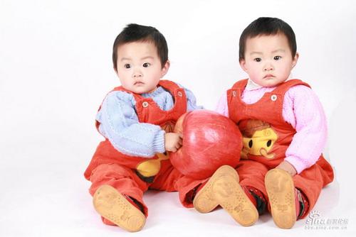 动感宝贝·我型我秀第159期:双胞胎(图)