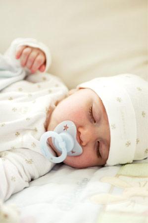 新生宝宝吃好吃饱学问多多