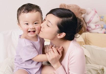 母乳喂养指南:新生儿喂养