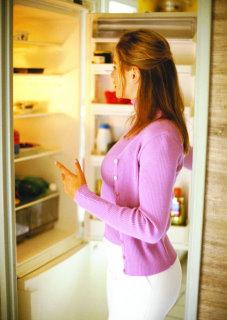 孕妇应少吃罐头食品(图)