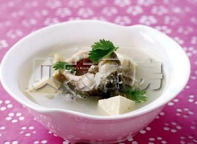 产后下奶汤:鲫鱼豆腐(图)