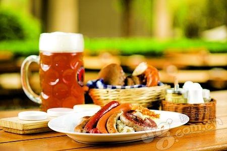 巴伐利亚什锦香肠盘配德式酸菜、土豆泥非常美味