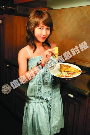 美女厨房 吞拿鱼沙律三文治