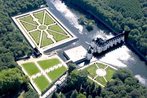 舍农索城堡