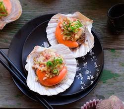 肥美鲜腴火腿蒜粒粉丝蒸扇贝王