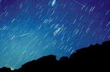 实拍小熊座流星雨奇观