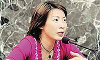闾丘露薇:去年书展被几个出写真集的嫩模抢了风头