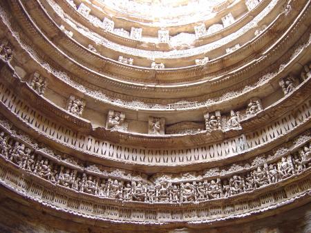 印度王后井内部雕饰