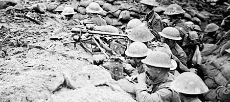 一战奇观:英德军队圣诞节爬出战壕交换礼品