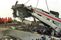 德国列车损毁严重