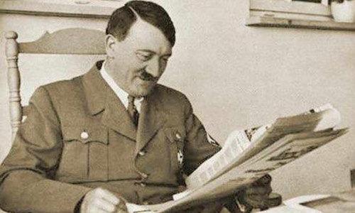 希特勒高清照片_希特勒的私人图书馆
