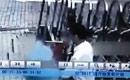 深圳突发地陷 监控拍到保安坠坑瞬间