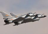 两架歼-10飞机比翼齐飞