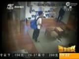 监拍跳高冠军沦为窃贼 偷盗奢侈品被抓