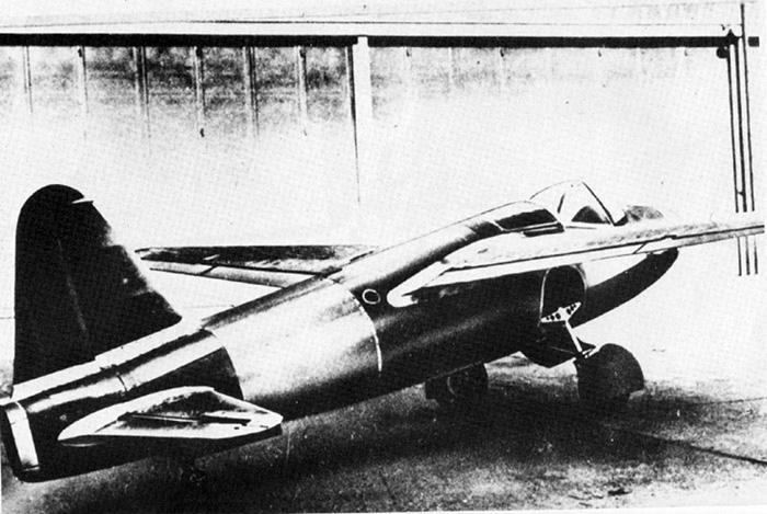 1939年8月27日,世界上第一架喷气式飞机上天