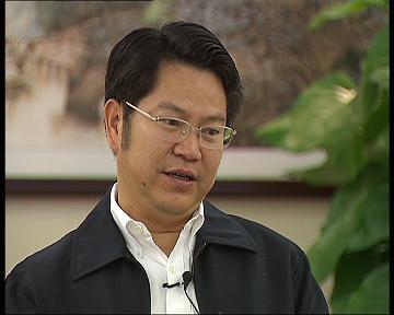 东莞市委书记刘志庚:经济结构产业调整犹如凤凰涅磐,阵痛过后才现重生之美。