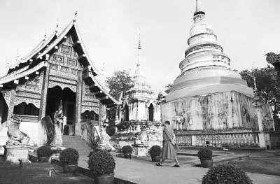 泰国清迈市内寺庙约百座,为各地佛教徒朝拜圣地,也是东南亚著名的避暑旅游胜地。(CFP供图)